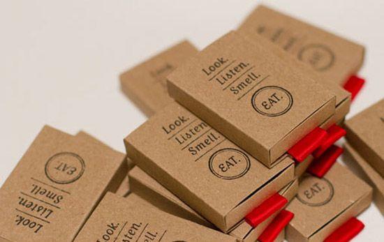 Matchbox – sự kết hợp độc đáo giữa những gam màu nóng và lạnh đã tạo ra một tấm danh thiếp nhìn rất trẻ trung, ấn tượng.